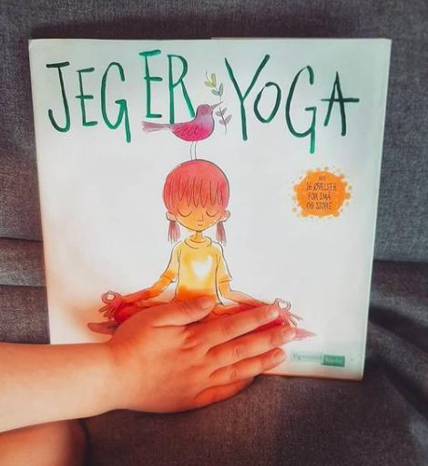 Hjemme- yoga: youtube eller bok?