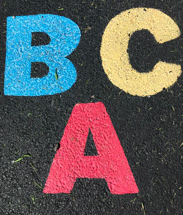 Gatekritt- ABC, hoppe paradis, bilbane eller gatepynt?