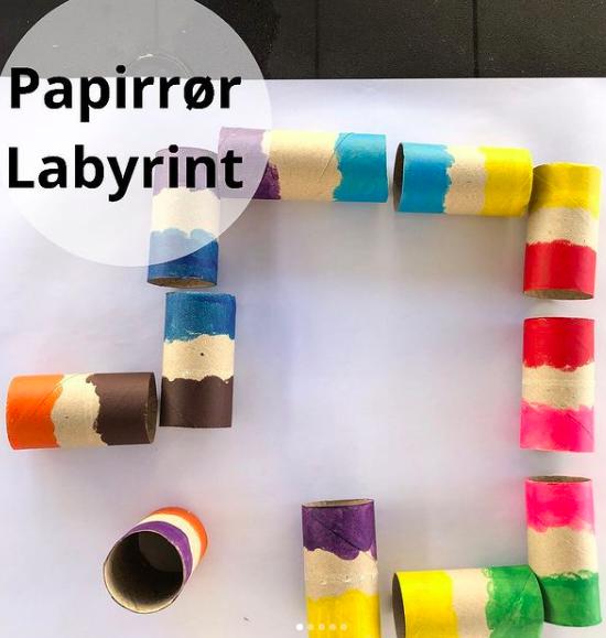 Labyrint av doruller fra @morsom.til.barn
